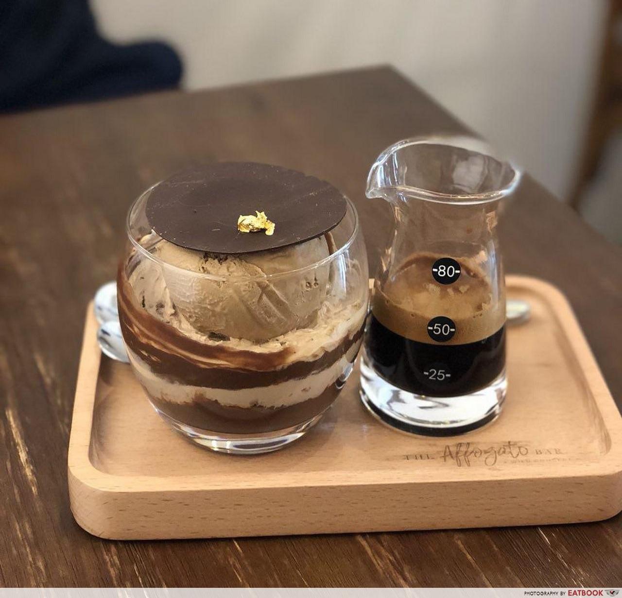 Romantic Cafes - La Opera