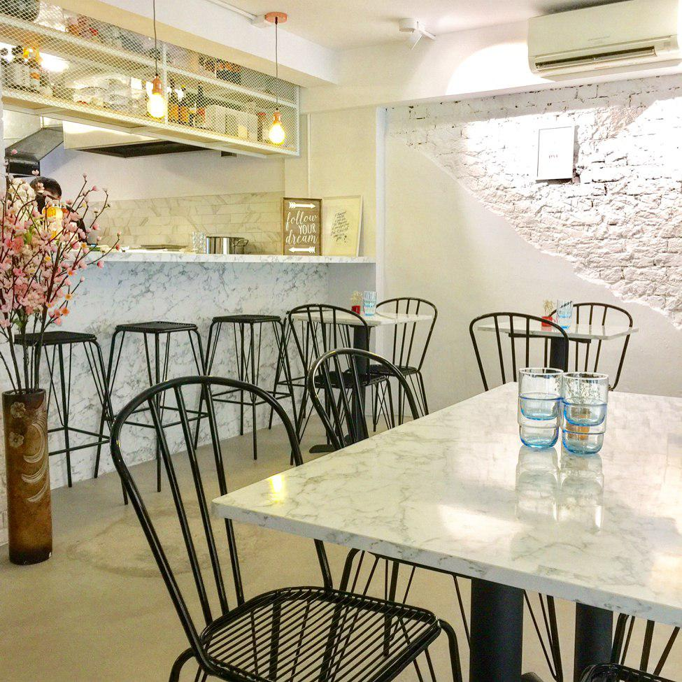Romantic Cafes - Marble Bistro