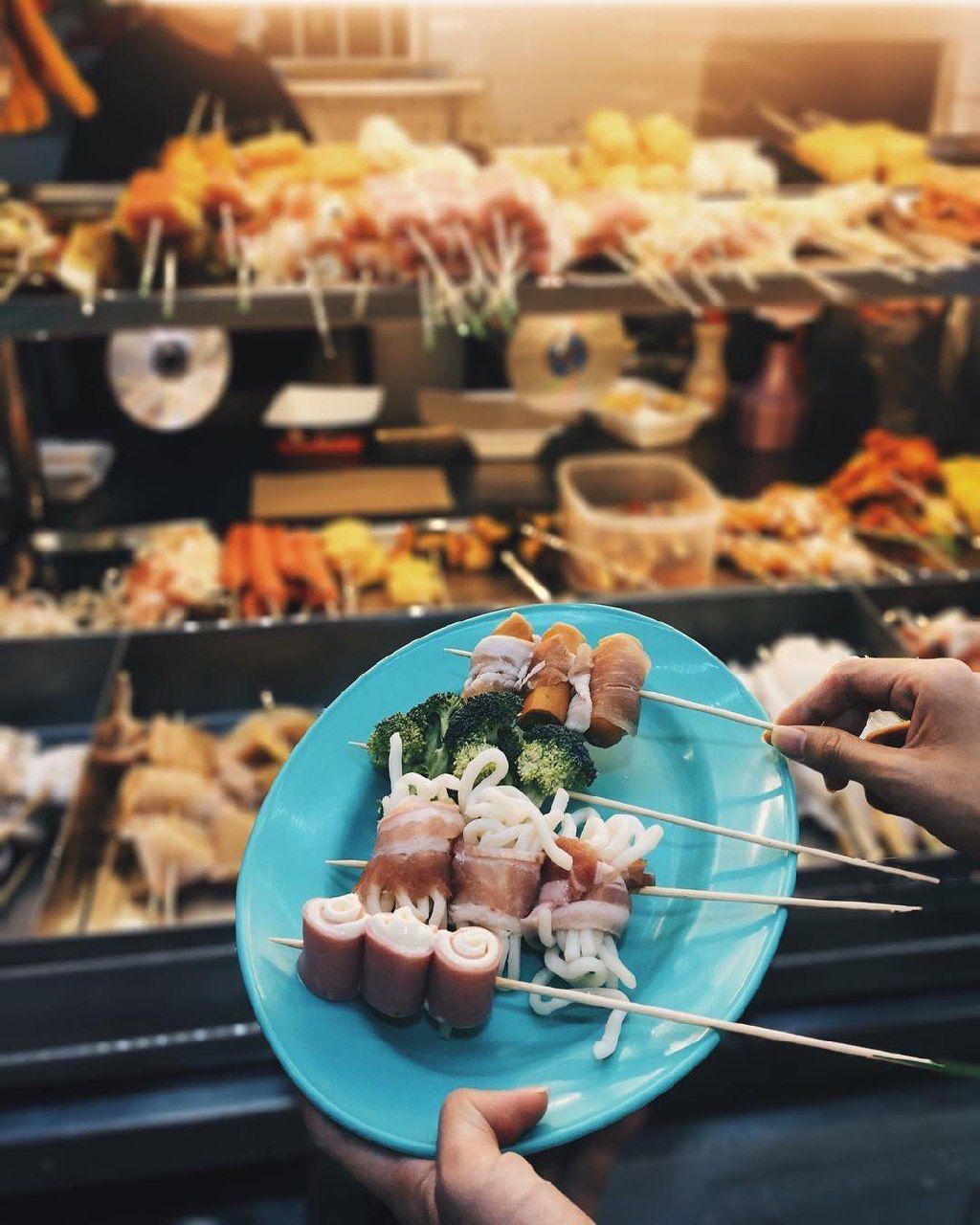 chomp chomp food centre-wang bbq and grill lok lok