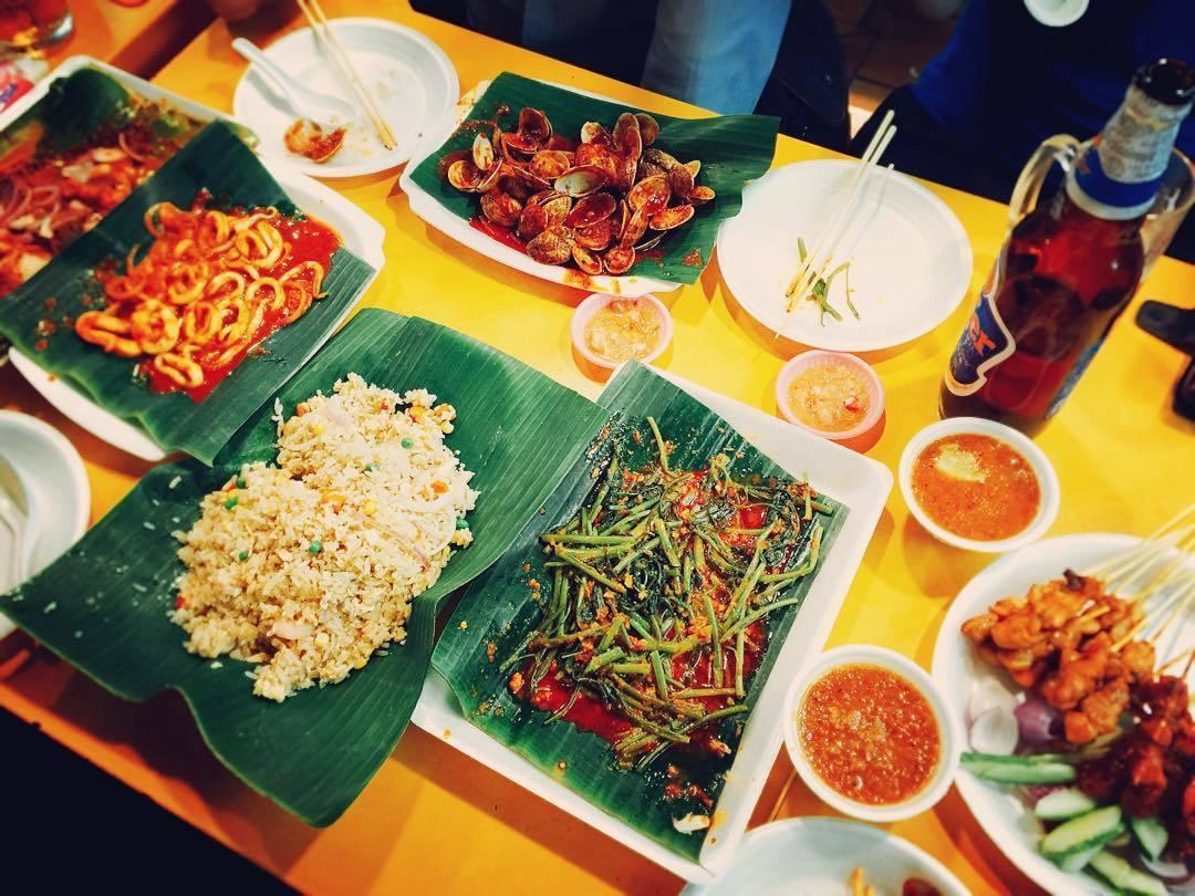 chomp chomp food centre-wei hai yuan bbq