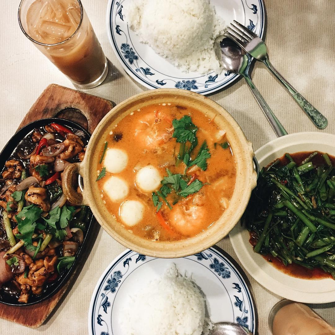 halal thai food - na na thai restaurant