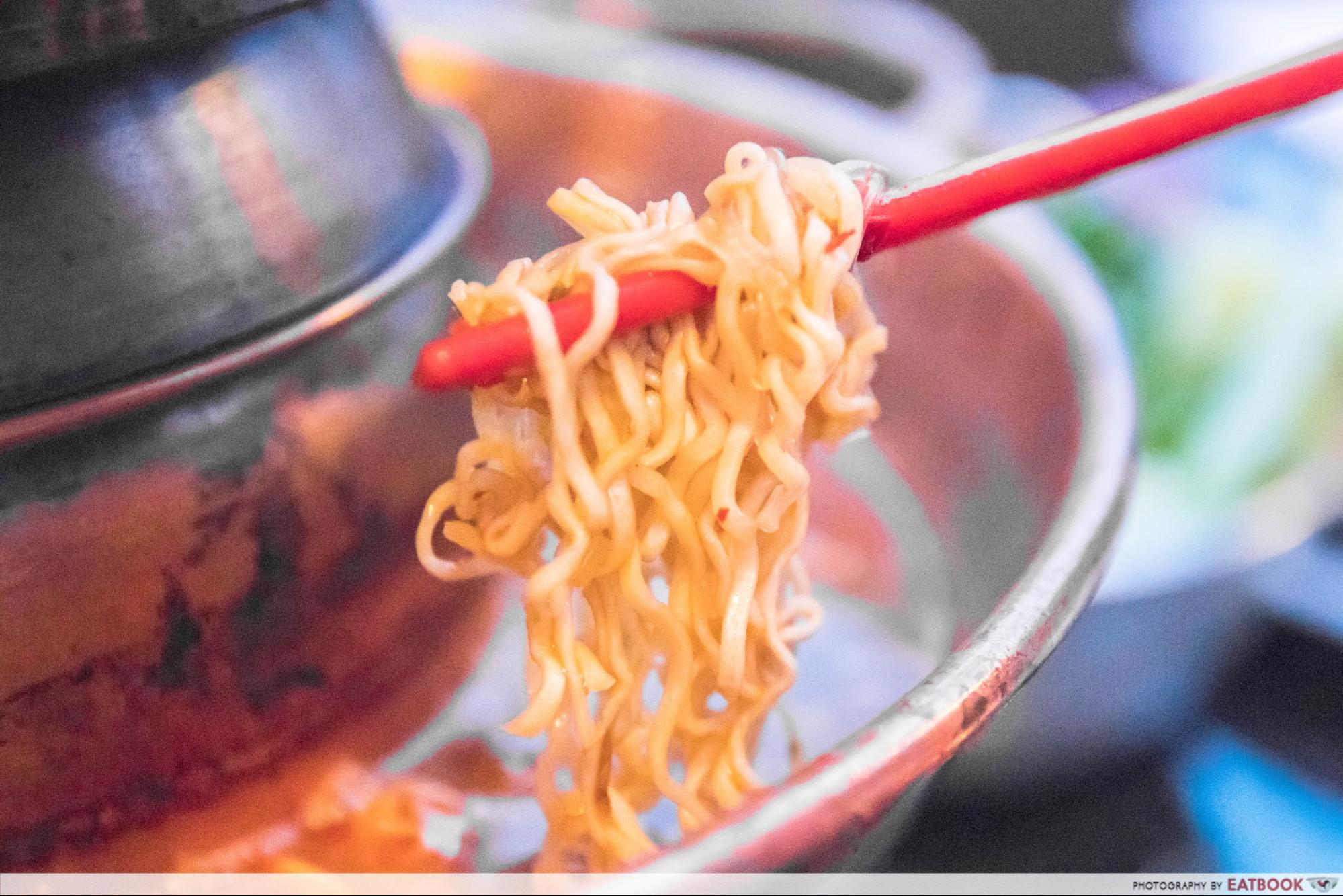 555 Villa Thai - noodles