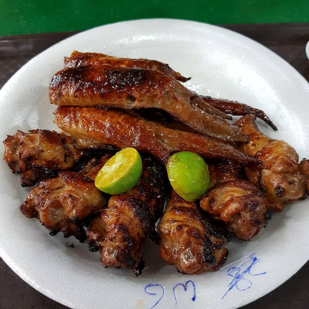 Zion Riverside Food Centre - Chong Pang 1 Chicken Wing & Satay