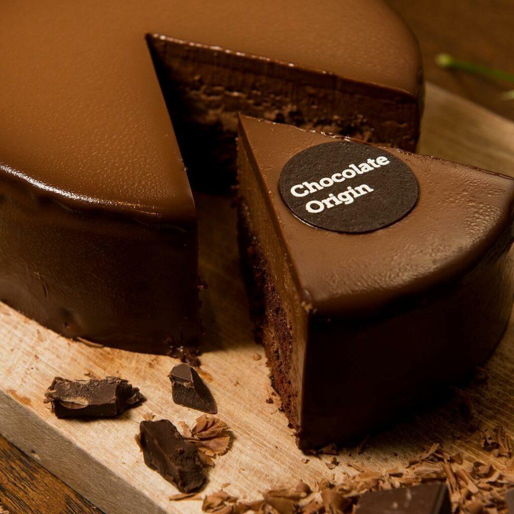 chocolate cakes - chocolate origin by @chocolateorigin.bn