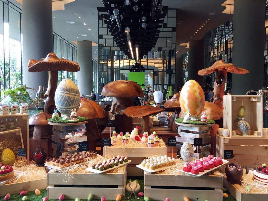 Easter brunch buffet PARKROYAL on Pickering_Dining_Lime Restaurant_Egg-stravagant Easter Desserts
