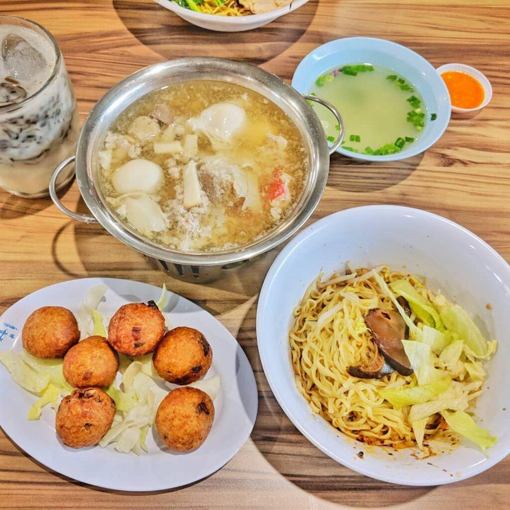 Geylang Bahru Food Centre - Fu's Noodles House
