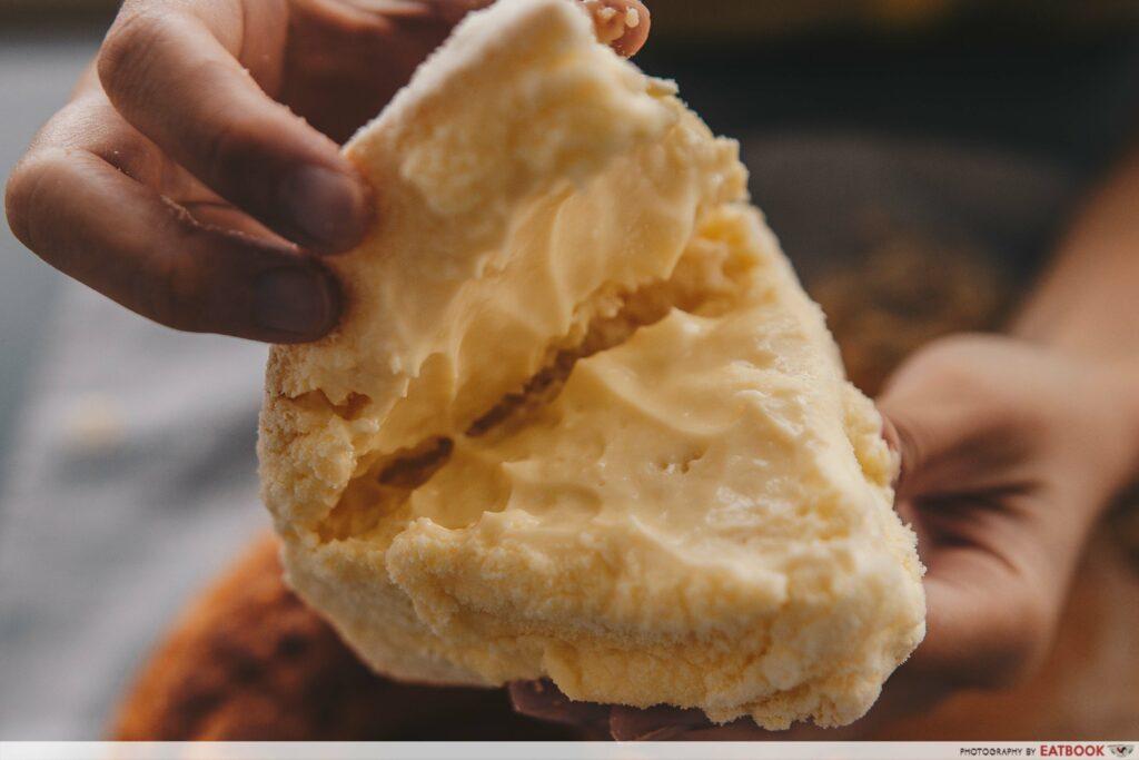Guschlbauer Singapore Cream Cheese Buns