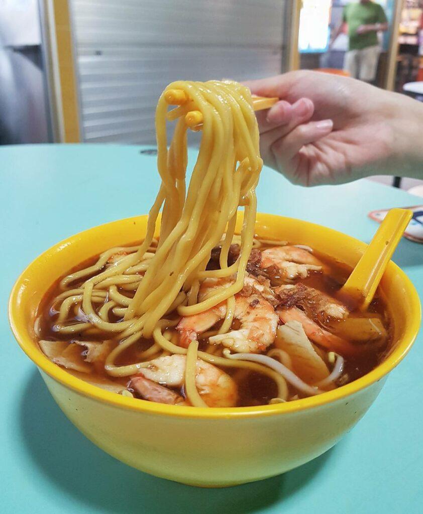 Toa Payoh Lorong 8 Market & Food Centre - Shun Li Prawn Noodles by @uncleeats