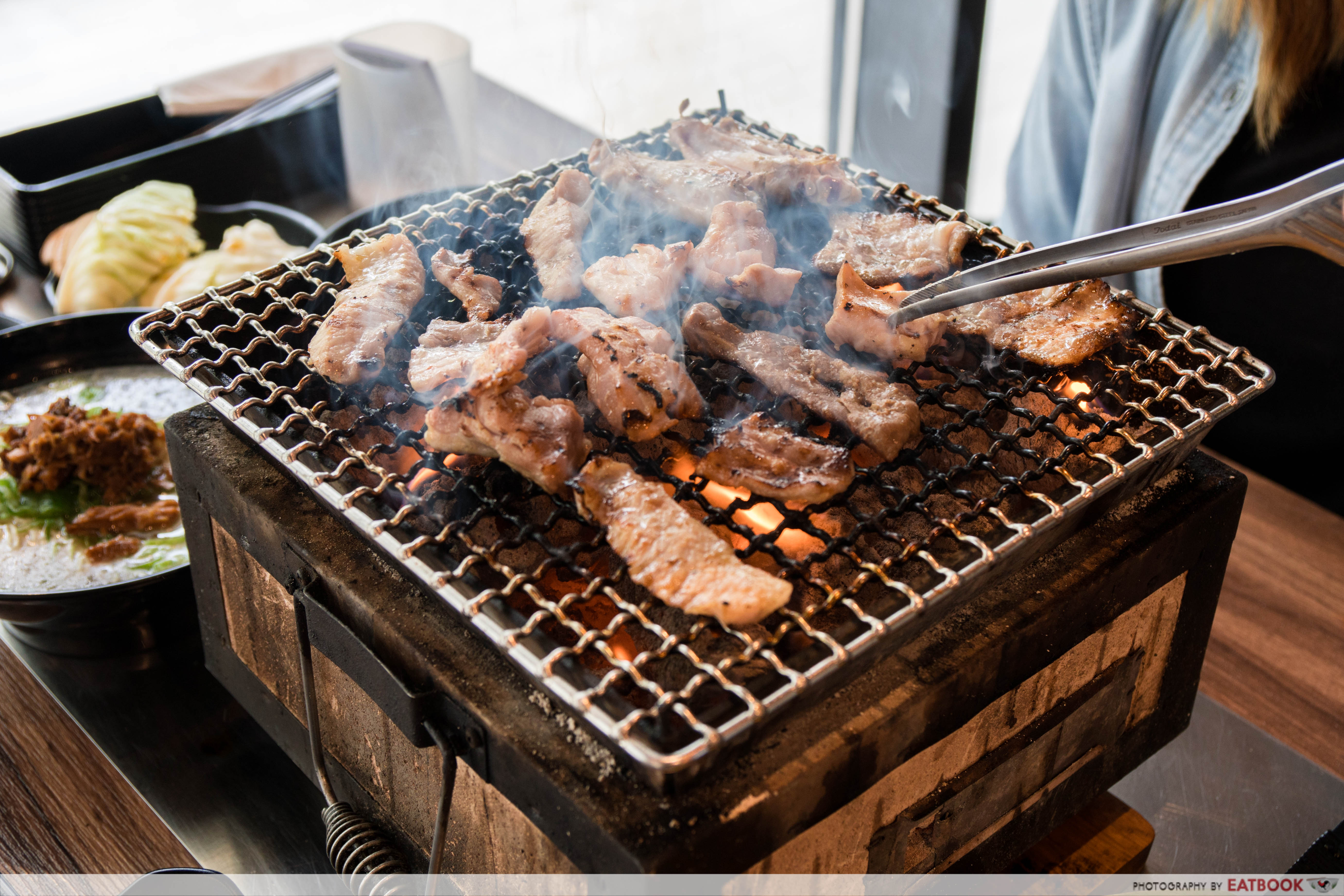 Yakinikuohji - meat on grill