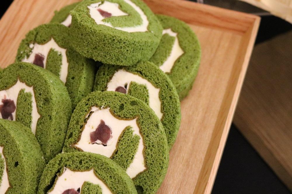Matcha dessert buffet Matcha Swill Roll with Adzuki Bean 2