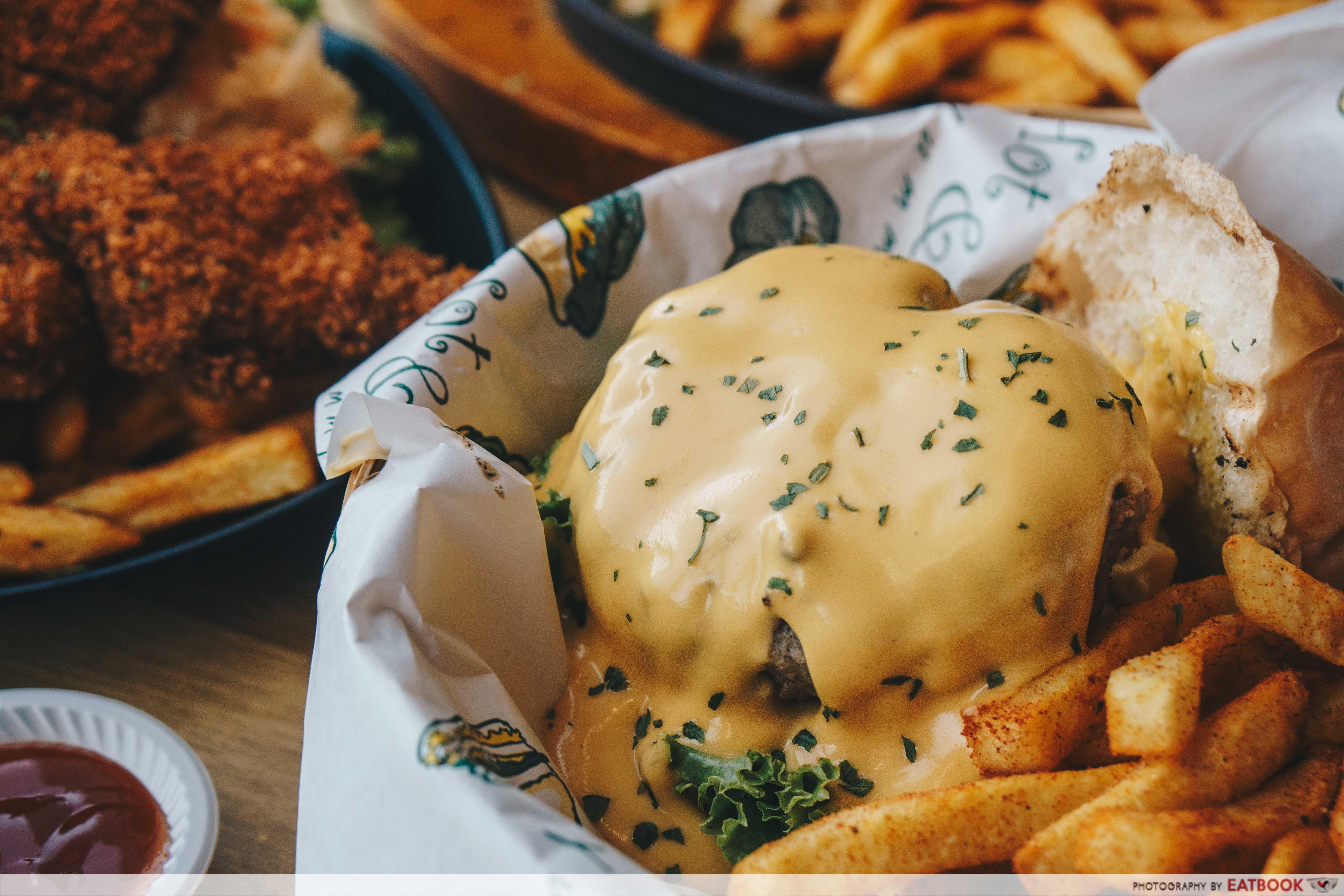 Fatty Bom Bom - Jerry's Burger
