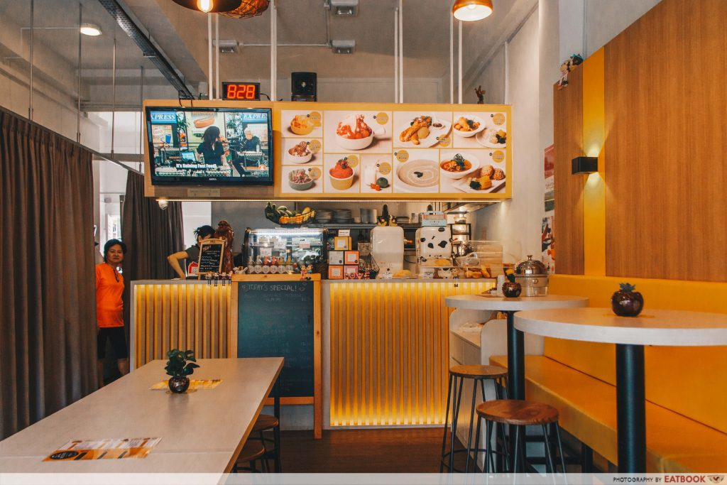 MONKI CAFE - ambience 1