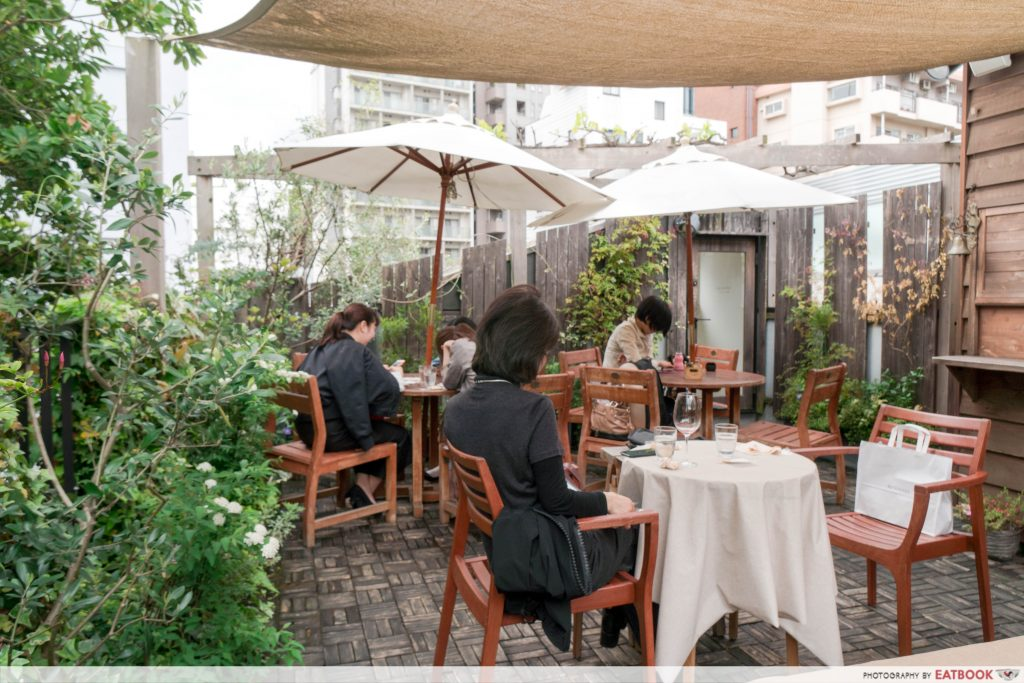 Tokyo treehouse cafe - rooftop