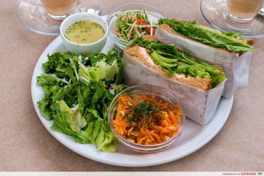 Tokyo treehouse cafe - salmon sandwich