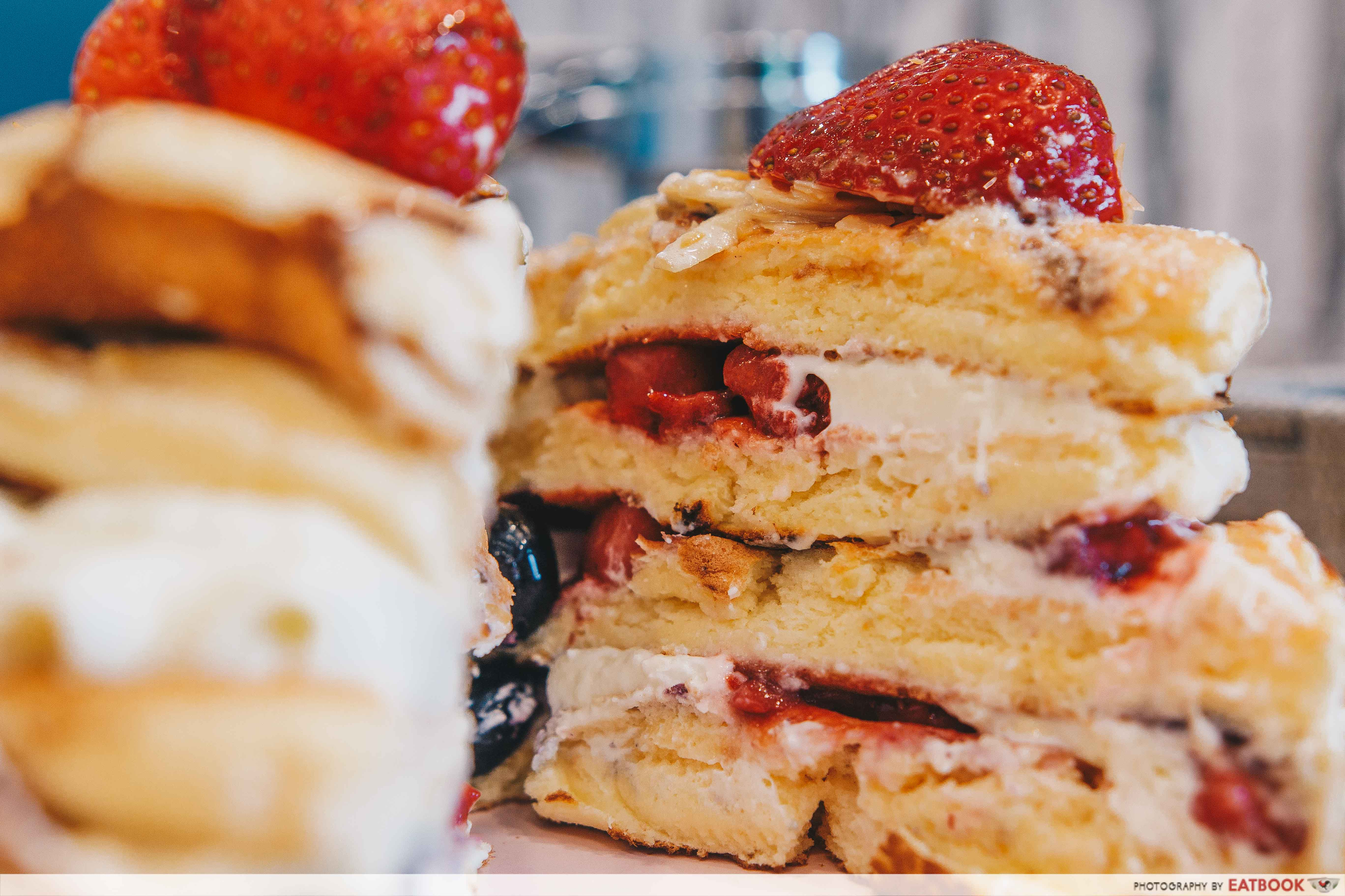 Belle-Ville - cross-section of Strawberry and Mixed Berry Pancake