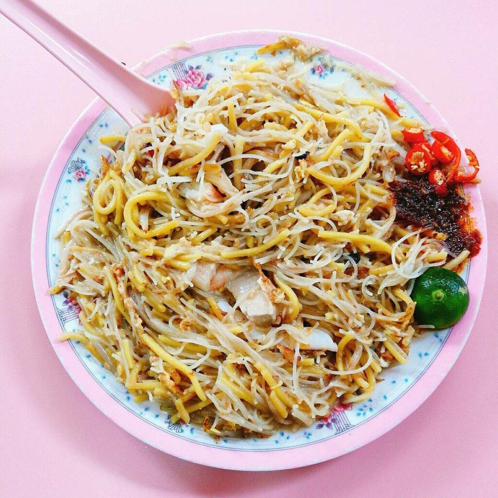 Golden Mile Food Centre - Hainan fried hokkien prawn mee