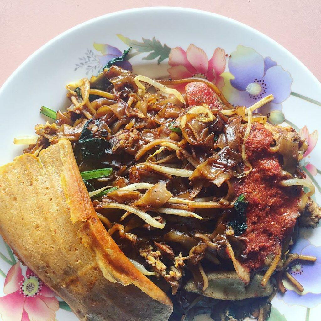 sembawang hills food centre-Lai Heng Char Kway Teow