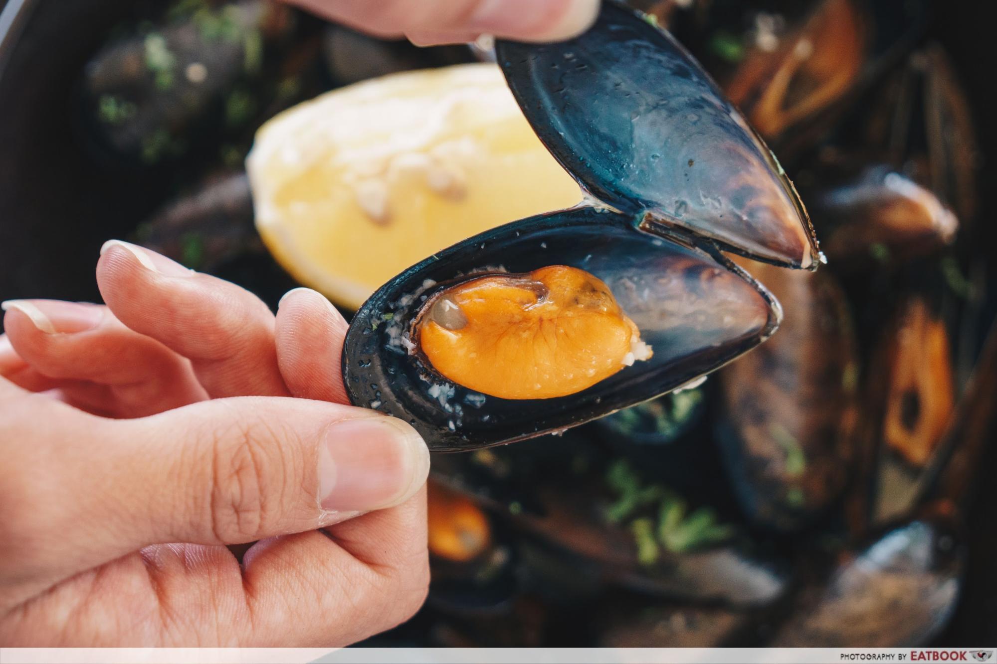 La Pizzeria - Sauteed Mussels