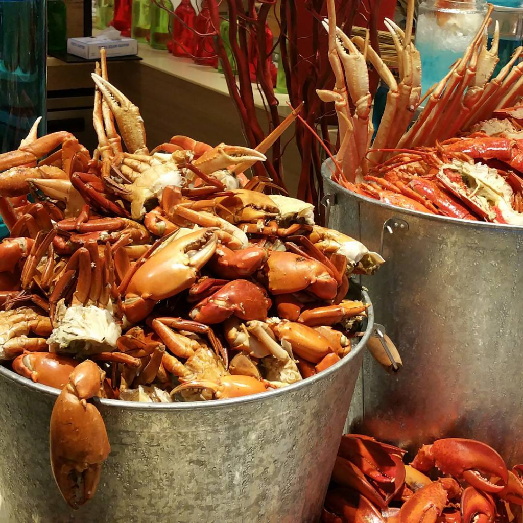 BBQ Seafood Buffet - Silver Shell Cafe