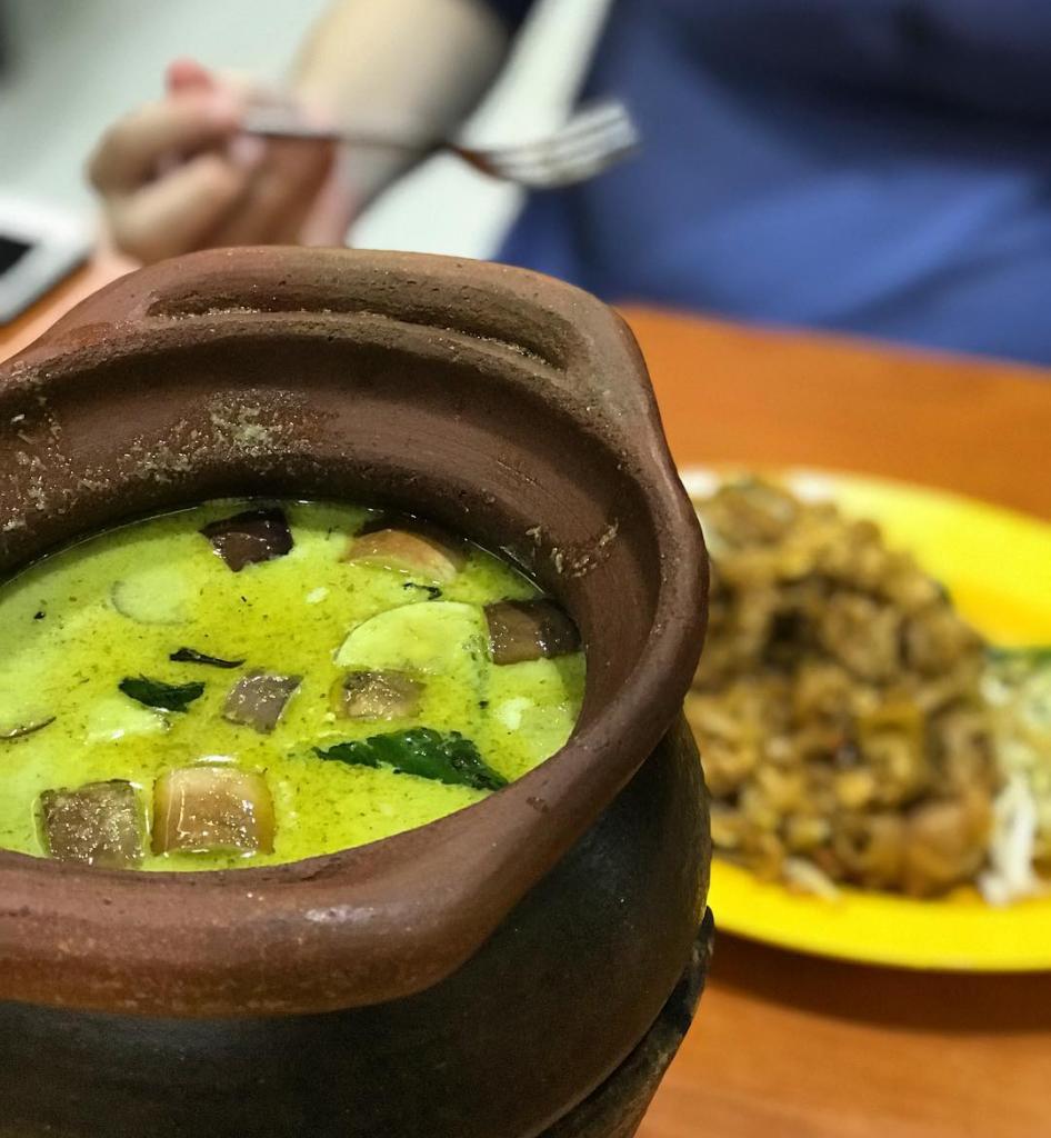 Golden Mile Complex food Nana Original Thai Food