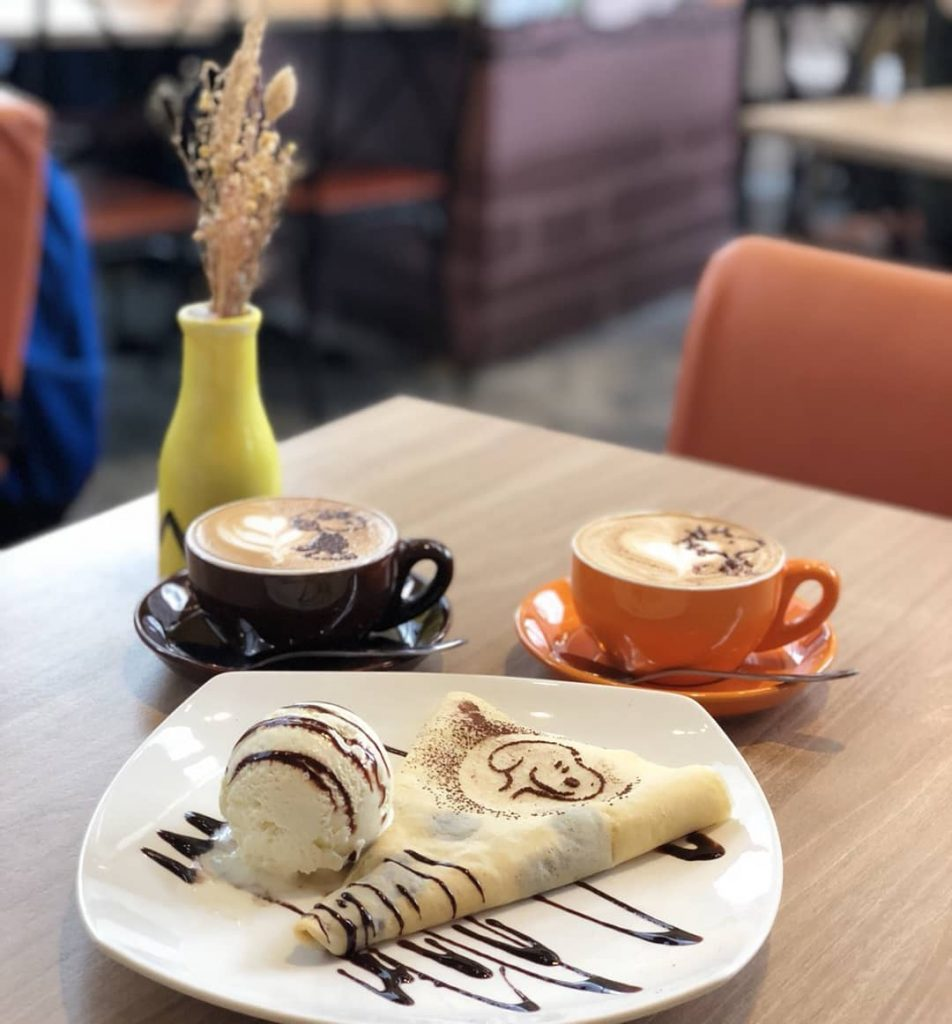 Character Cafes - Charlie Brown Cafe