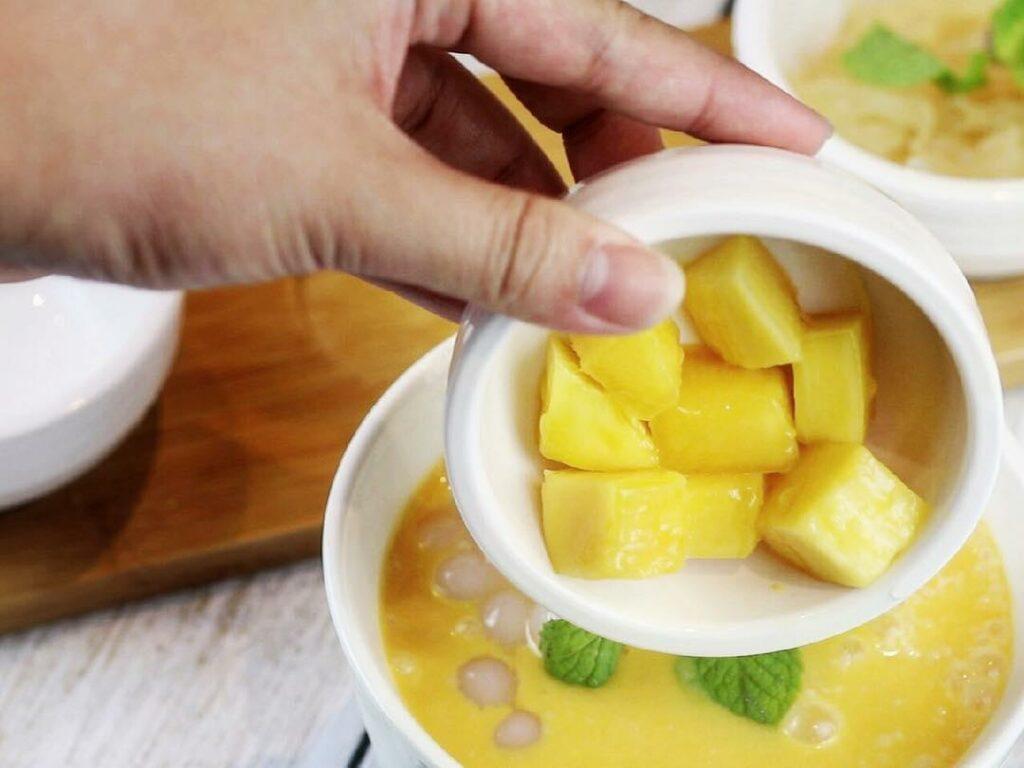 free wonton mee - mango pomelo