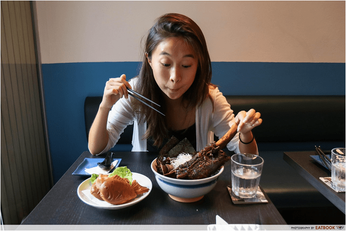 FREE salmon sashimi Sumo Bar-min