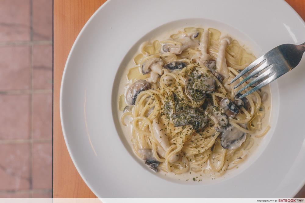Knuckles Bistro - Truffle Mushroom Pasta