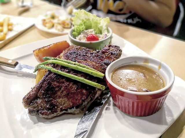 The Lazy Garden Cafe - Striploin Beef