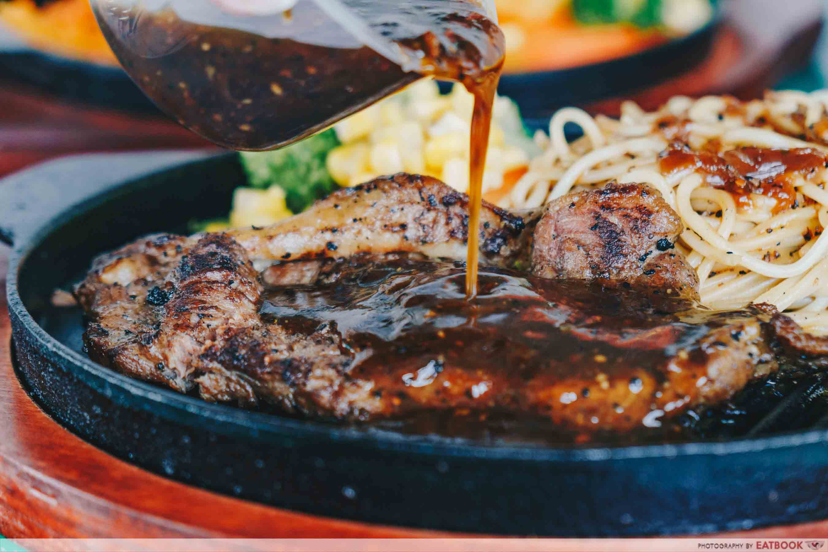BIG BOYS Sizzling - NZ sirloin steak