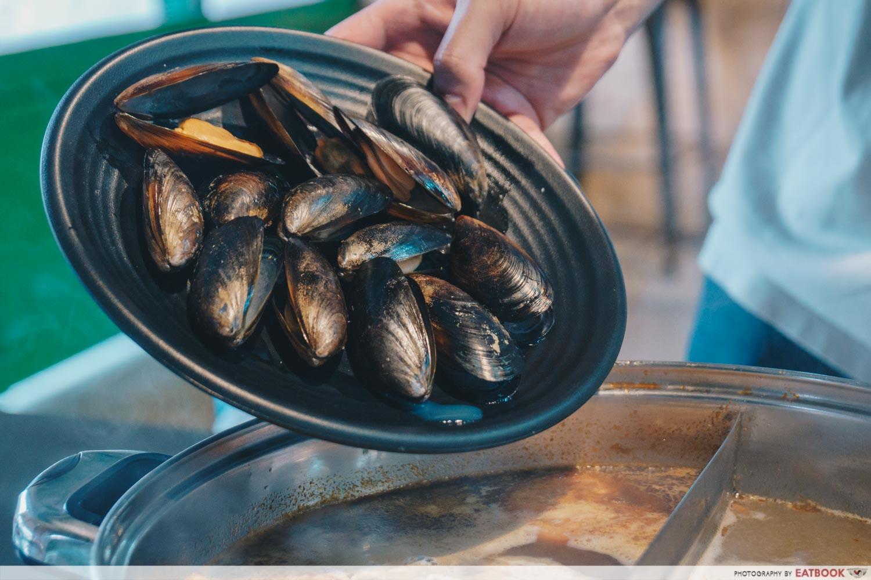 Kazan Steamboat - Mussels