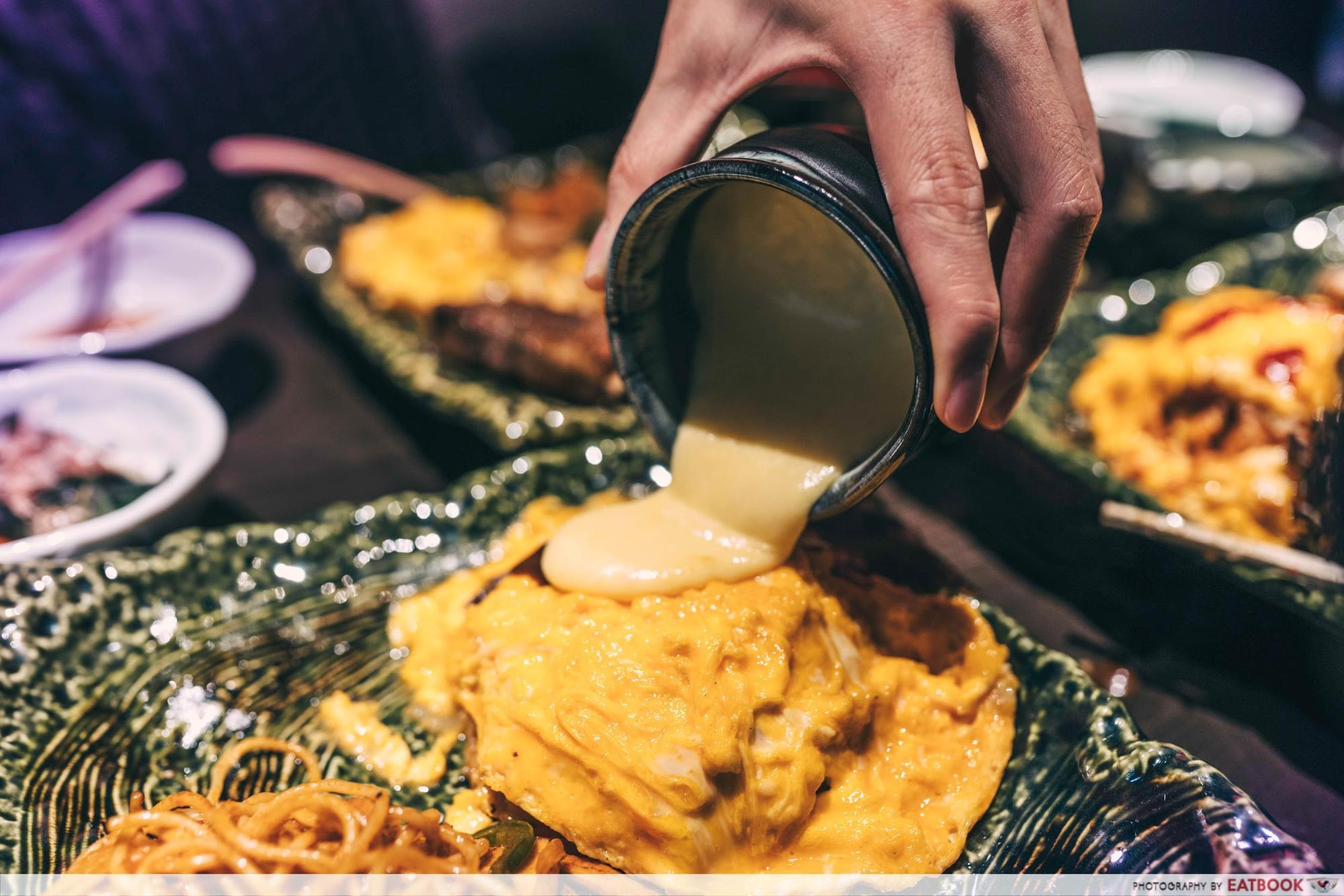 omurice keisuke cheese sauce
