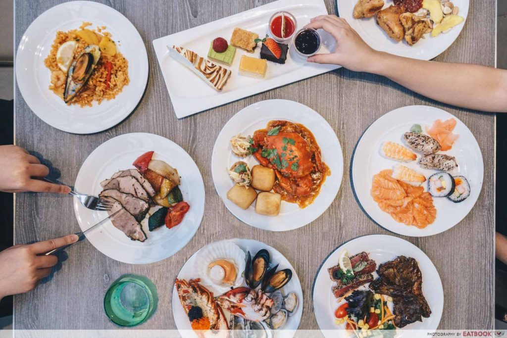 1-for-1 Dining Deals Atrium Holday Inn