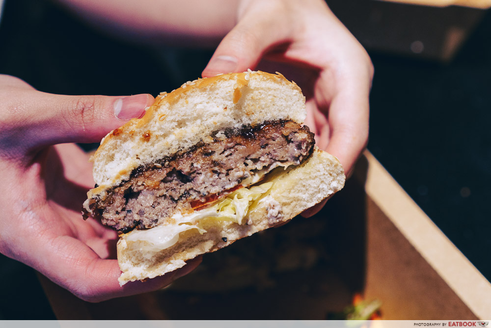 Gyu & Tori - Wagyu burger grain