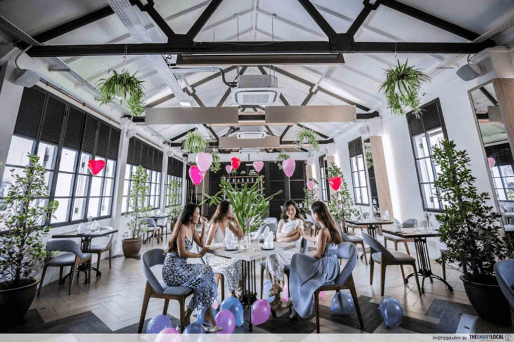 Romantic Restaurant - Botanico At The Garage