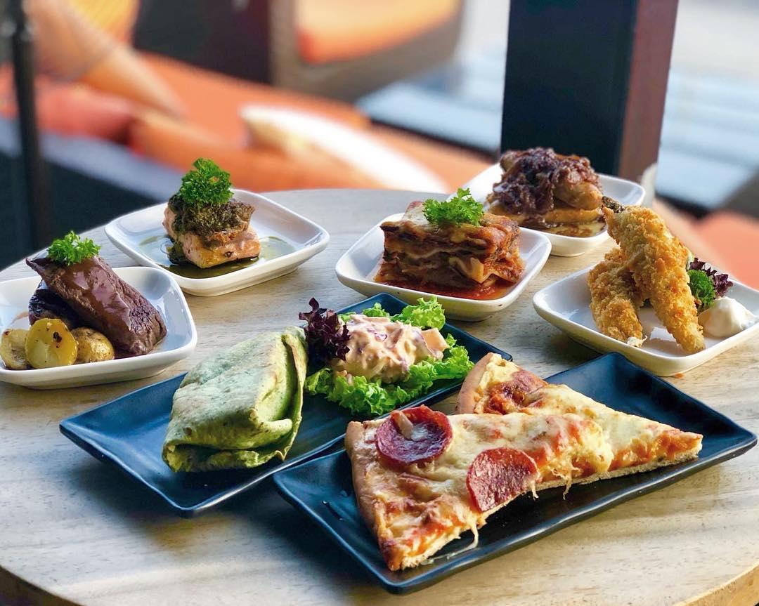10 rooftop restaurants - Propeller bar food