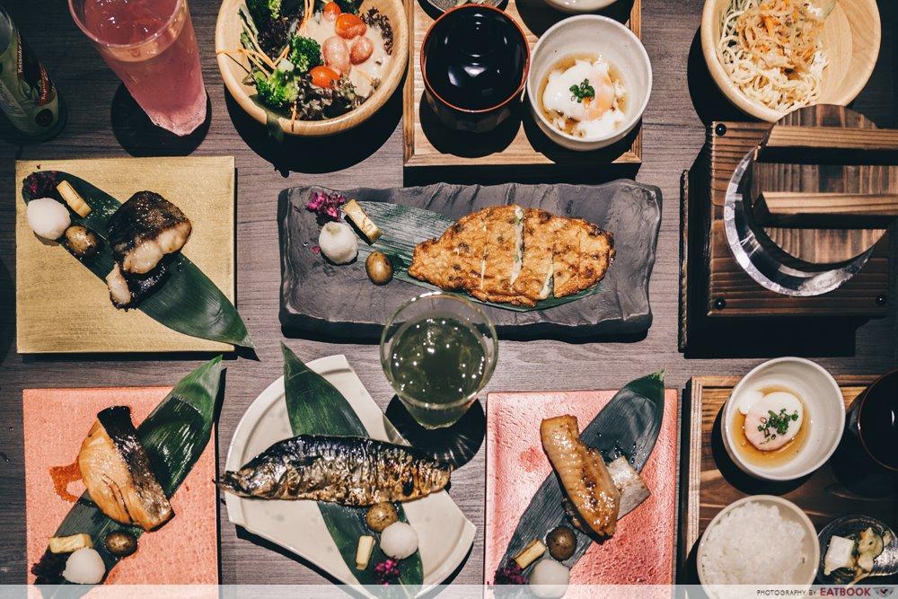 Charcoal-Grill & Salad Bar Keisuke spread