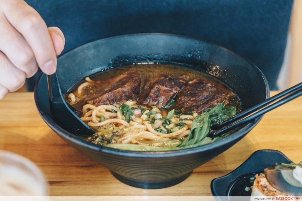 Eat 3 Bowls Beef noodle soup