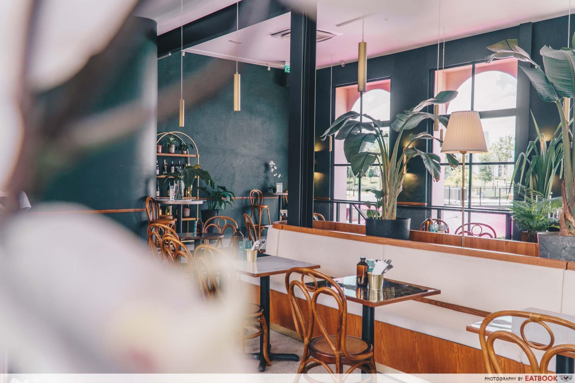 JB Mount Austin Food - Tropique Café & Restaurant