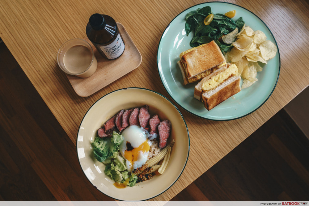 Minimalist Cafes - Grids and Circles Wagyu Beef Bowl
