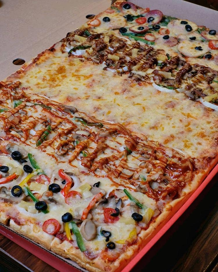 food challenges gourmet pizza to go