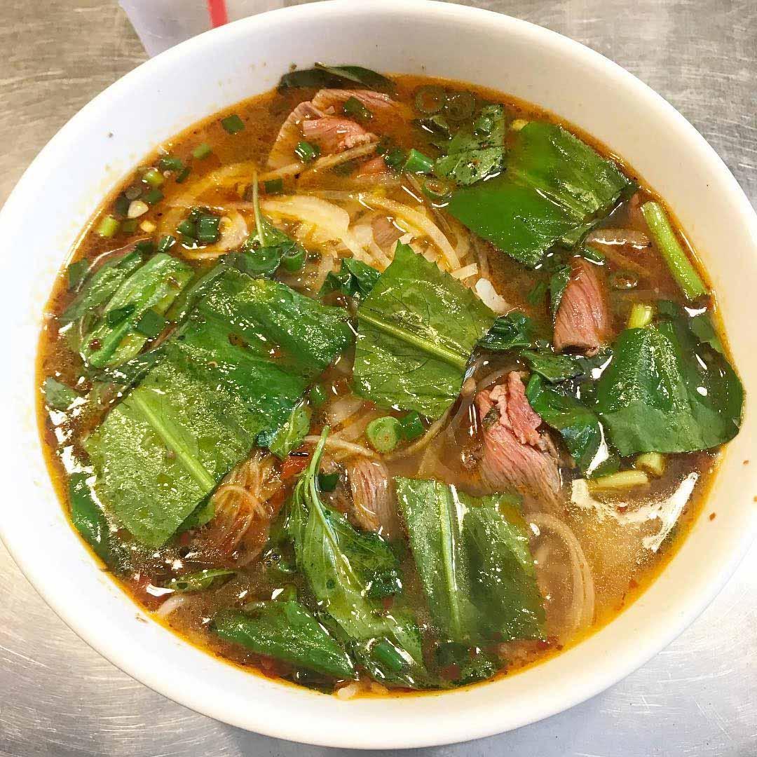 food challenges lang nuong vietnam