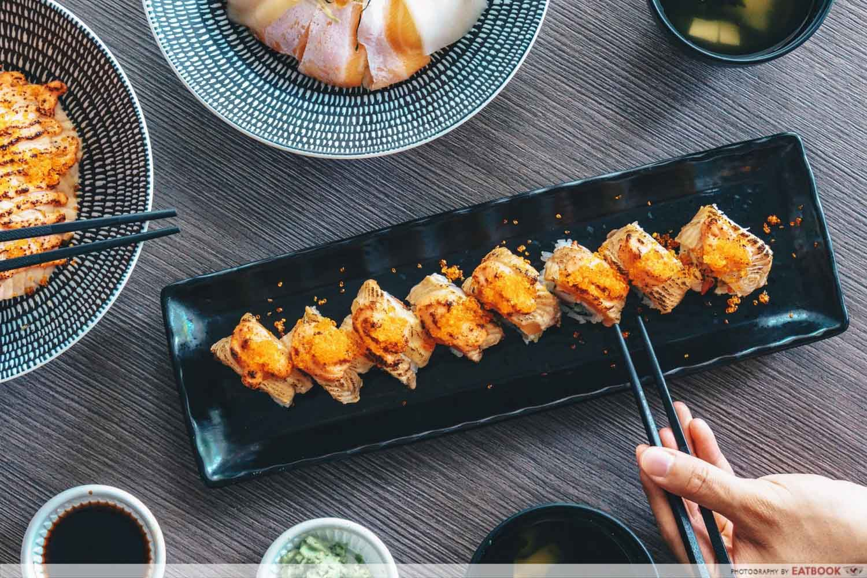 Kazoku - Aburi Mentai Salmon Roll