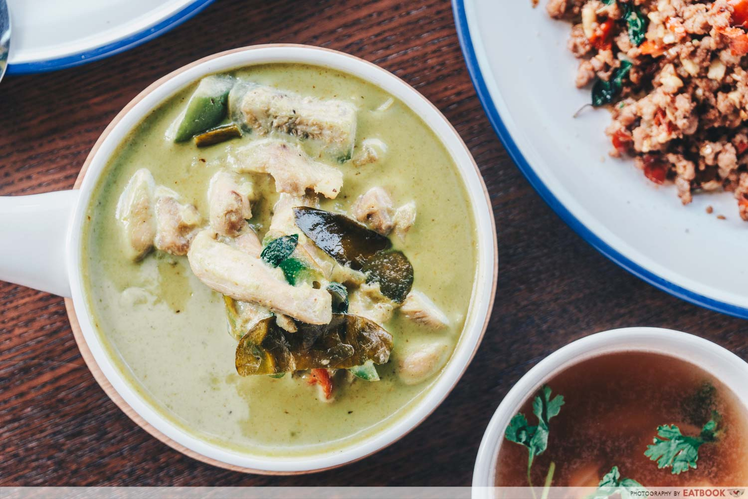 Penguin's Kitchen - green curry