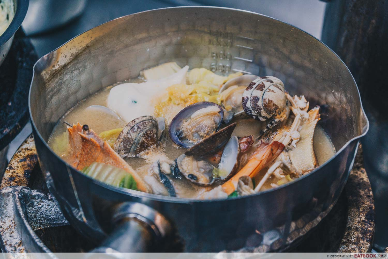 Seafood Pirates - Broth Preparation