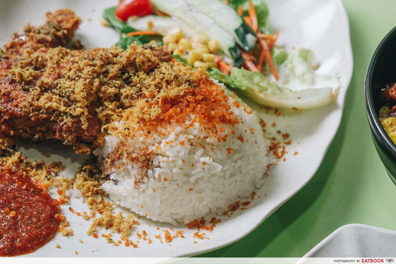 rayyan's waroeng upnormal fried chicken penyet rice