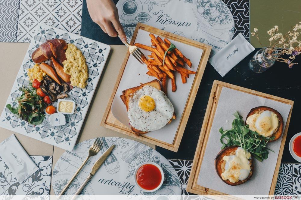 Brunch cafes Arteastiq Bistro spread