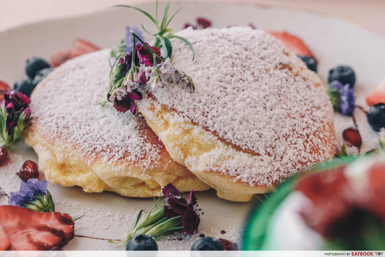 Cafe De Nicole's Flower - Souffle Pancake Closeup