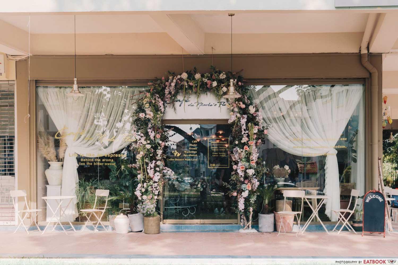 Cafe De Nicole's Flower - Storefront