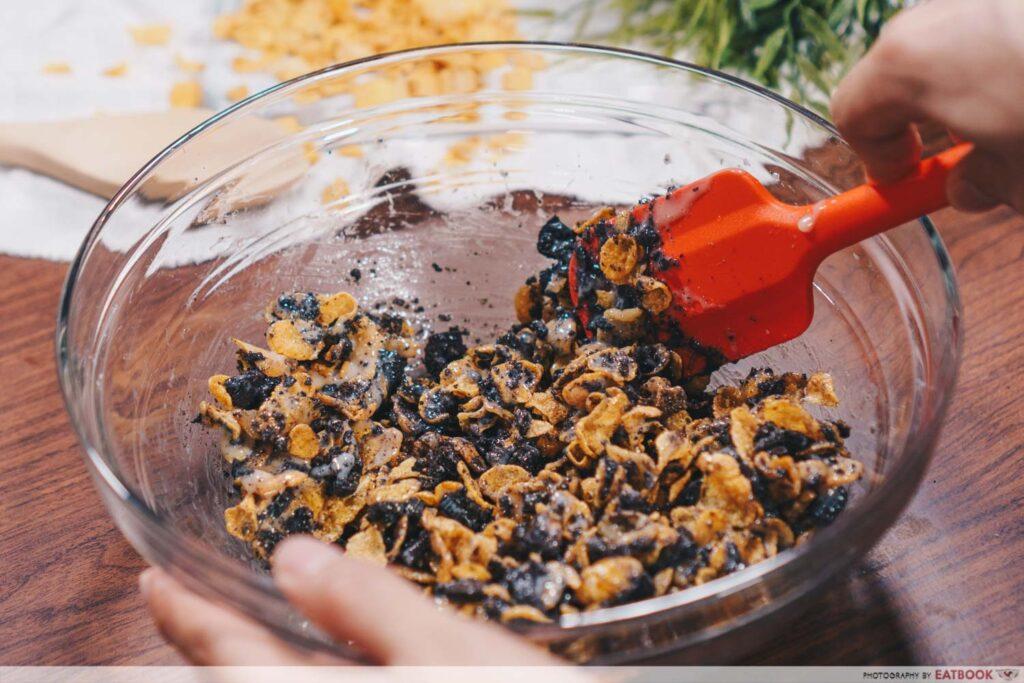 Easy cornflakes recipe oreo mix